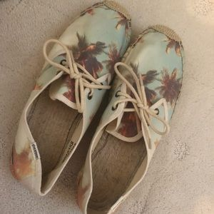 Soludos tropical sneaker/flat size 8